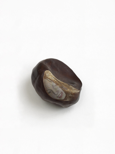 Lee Edwards 'I don't fancy you, Lee' oil on conker, 1.5×3×3cm, 2010, photo by Andy Keate