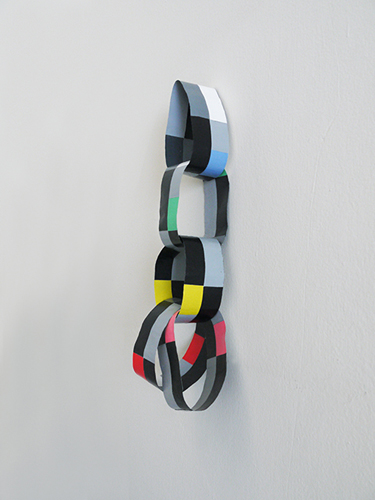 Lizi Sánchez 'Cadeneta' (5/2015) acrylic on aluminium, 5 loops, each loop: 31×5cm 2015.