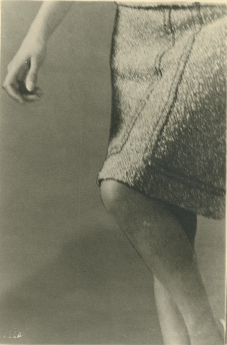 Sharon Kivland 'Knee–length (I)' 24×16cm/framed 42.5×31.5cm, unique silver bromide print, 2012