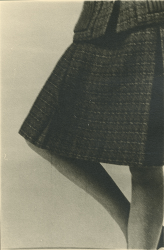Sharon Kivland 'Knee–length (II)' 24×16cm/framed 42.5×31.5cm, unique silver bromide print, 2012